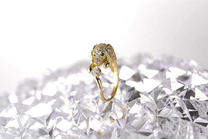 Dog jewelry VOFFRING / Kenji Irikura